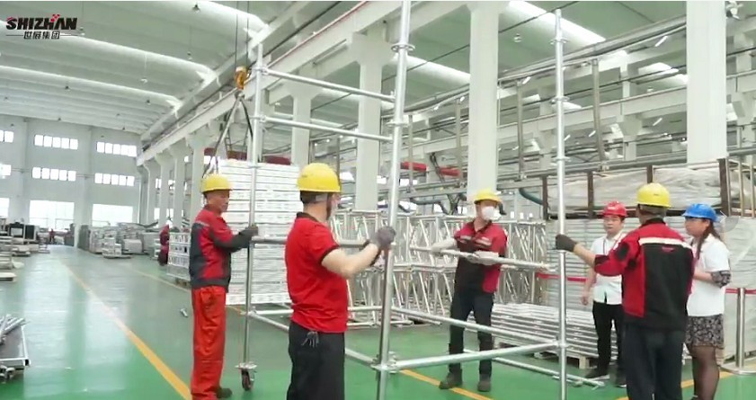 Movable aluminum scaffolding installation